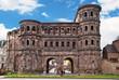 Leinwanddruck Bild - Das römische Stadttor Porta Nigra in Trier an der Mosel