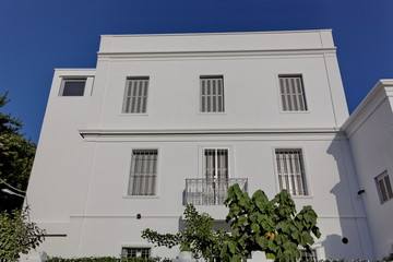 Façade blanche, ciel bleu, Maroc