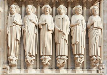 Notre Dame de Paris statues of saints