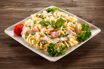 Pasta carbonara and vegetables