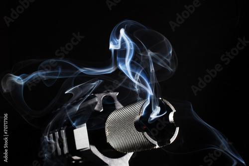 smoking hot - 70717106