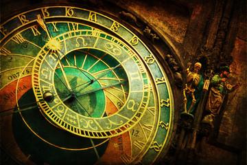 astronomische Uhr am Rathaus in Prag mit nostalgischer Textur