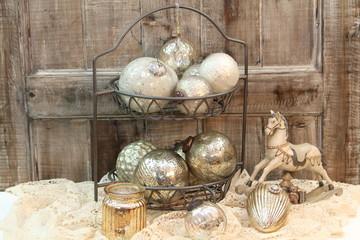 Bilder und videos suchen weihnachtsmotive - Weihnachtskugeln vintage ...