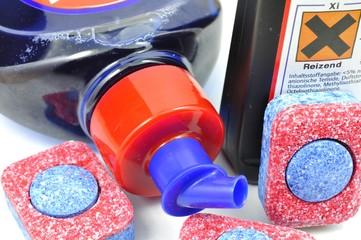 Alltagschemikalien Geschirrspüler Tabs