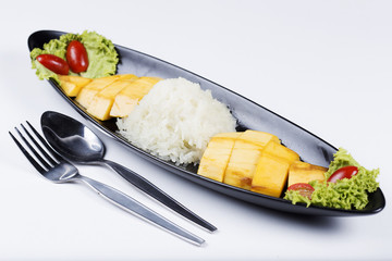 Ripe mango and sticky rice cooked with coconut milk