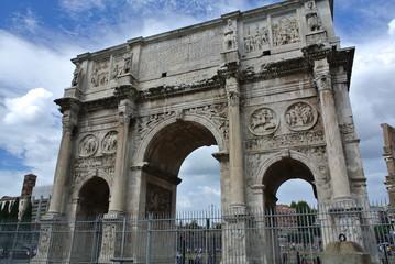 コロッセオ コンスタンティヌスの凱旋門