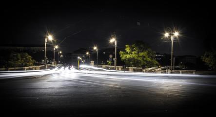 scie luminose sulla strada