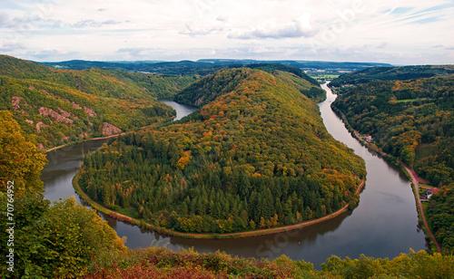 Tuinposter Canyon Das Wahrzeichen des Saarlandes: Die Mettlacher Saarschleife