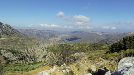 Греция остров Крит. Вид с горы на долину и море.