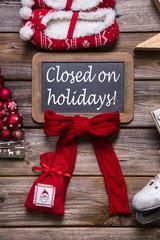 Betriebsurlaub an Weihnachten: Schild Kunden geschlossen