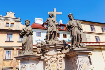 religiöse Statuen an der Karlsbrücke in Prag