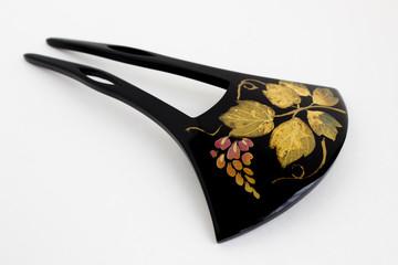 黒塗りの簪