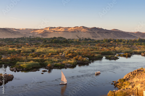 In de dag Egypte Life on River Nile, Aswan, Egypt