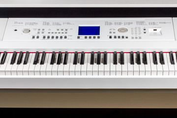 Digital piano synthesizer