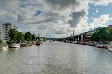 Cityscape Turku, Finnland, haven and promenade