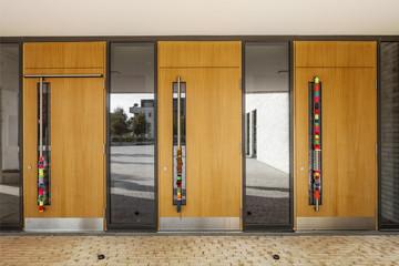 Eingangstüren © Matthias Buehner