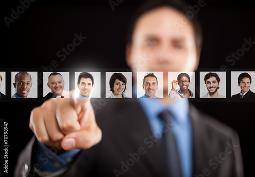 Employer choosing the right worker - 70798947