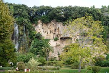 Villecroze et ses grottes