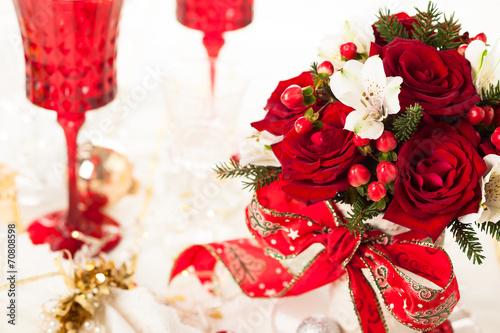 Papiers peints Table preparee Festive bouquet for Christmas