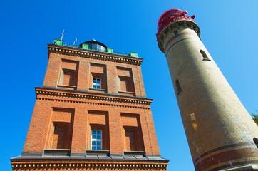 Schinkelturm (l.) und neuerer Leuchtturm