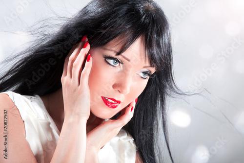 canvas print picture Hübsche junge Frau mit tollem Make Up ganz nah
