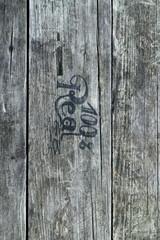 Holz mit Schrift