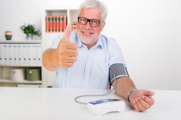 erfolgreich den blutdruck prüfen
