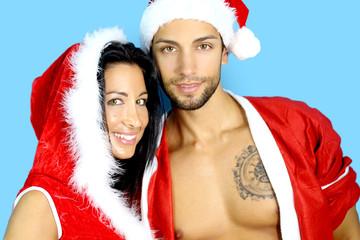 beau couple en costume de Noël