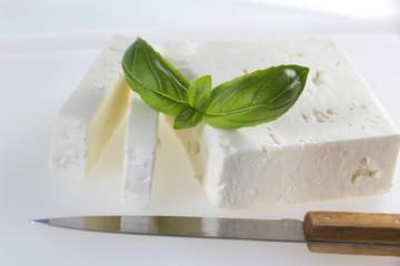 tranches de fromage de chèvre  grec