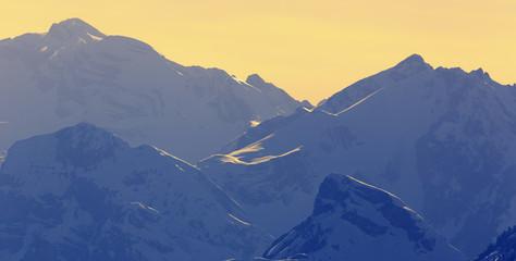 Italien, Dolomiten, Trentino-Südtirol, Sextner Dolomiten, Pustertal, Hochpustertal am Abend