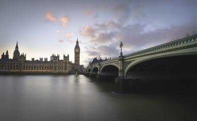 Großbritannien, London, Big Ben und Houses of Parliament an der Themse