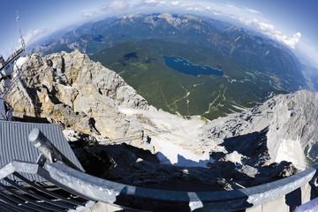 Deutschland, Fischaugen-Objektiv Blick auf Eibsee von Zugspitze