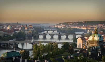 Tschechien, Prag, Stadtblick, Sonnenaufgang über der Moldau