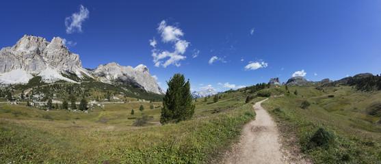 Italien, Venetien, Wanderweg am Falzarego-Pass, Lagazuoi und Tofana