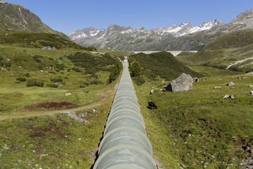 Österreich, Vorarlberg, Vermunt, Bielerhöhe, Wasserversorgungsleitung von Silvretta Damm