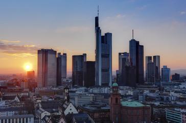 Deutschland, Hessen, Frankfurt am Main, Blick auf die Stadt mit Finanzbezirk