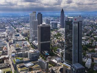 Deutschland, Hessen, Frankfurt am Main, Blick auf die Hochhäuser und Stadt von oben