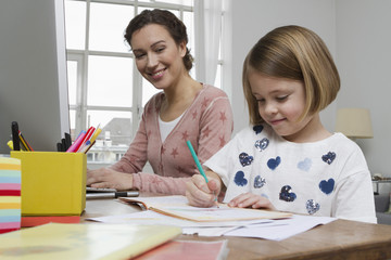 Mutter mit Tochter am Schreibtisch, Zeichnung