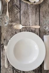 Abdeckung auf gedecktem Tisch