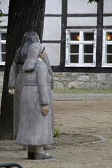 Nonnen auf dem Magni-Kirchplatz