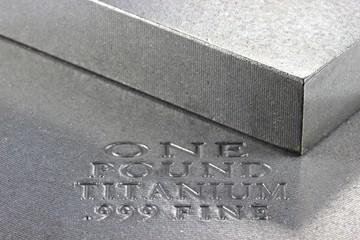Titan02
