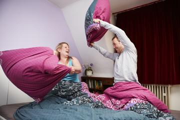 Ehepaar, Kissenschlacht 2