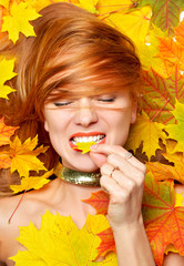 fashion style happy fall woman smiling joyful holding autumn yel