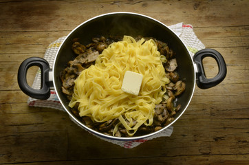 Tagliatelle y mushrooms تالياتيلي Cucina italiana Expo 2015