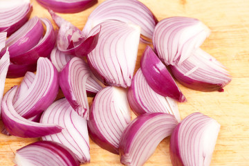 red onion wedges