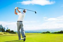 """Постер, картина, фотообои """"Man Playing Golf"""""""