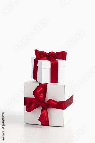 canvas print picture Weihnachtspäckchen auf weißem Hintergrund