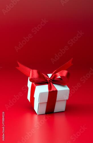 Gift box - 70884326