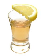 Tequila mit Zitrone