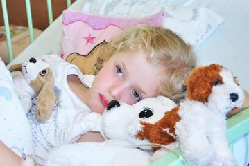 Krankes Kind Im Krankenbett